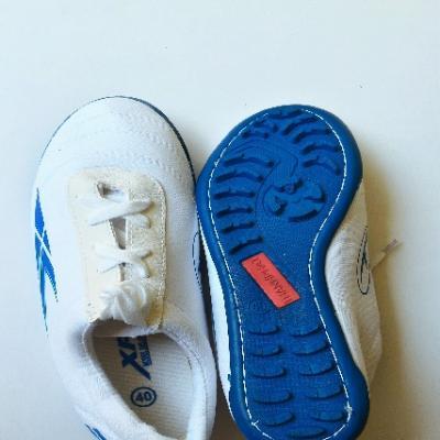 Giày Vải XP - Giày Bóng Đá Trắng - Đế Xanh